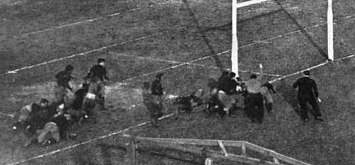 Tom Roome touchdown for Yale against Harvard in 1906