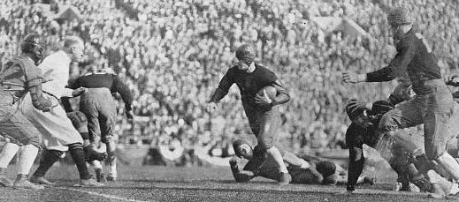 Alabama back Pooley Hubert carrying for 13 yards against Washington in the 1926 Rose Bowl