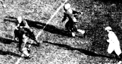 Minnesota halfback Julius Alphonse scoring a 22 yard touchdown against Pittsburgh in 1934