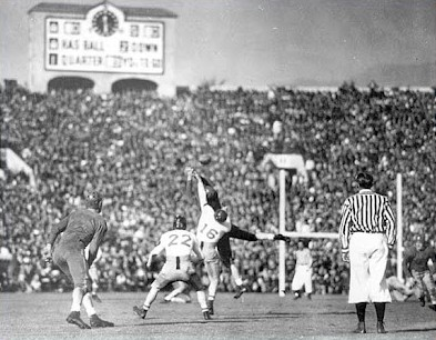 Southern Methodist throwing against Stanford in the 1936 Rose Bowl