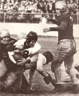 Davey O'Brien carrying for TCU in the 1939 Sugar Bowl
