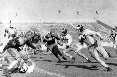 Texas A&M carrying the ball 1939