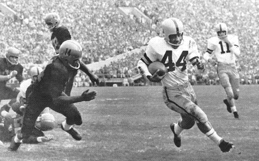 Halfback Collins Hagler carrying for Iowa in the 1957 Rose Bowl