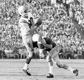 Ron Stover catching the ball for Oregon in the 1958 Rose Bowl