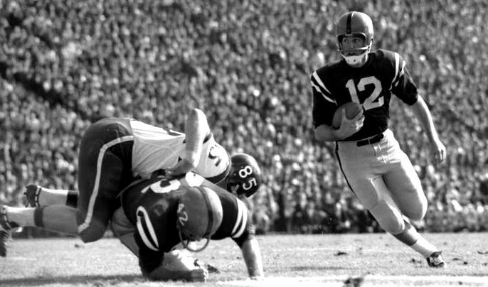 Jake Gibbs carrying the ball for Mississippi in the 1961 Sugar Bowl
