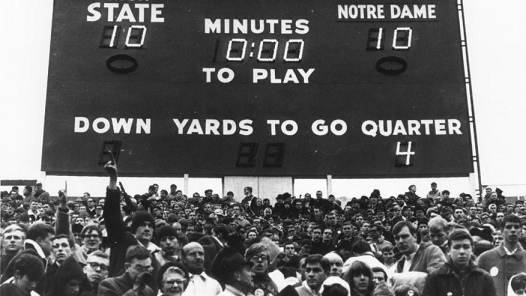 Scoreboard at end of Michigan State and Notre Dame tied 10-10 in a 1966 football game