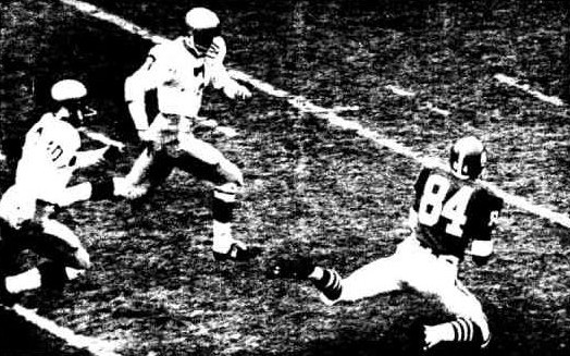 Michigan State receiver Gene Washington makes a 42 yard catch against Notre Dame in 1966